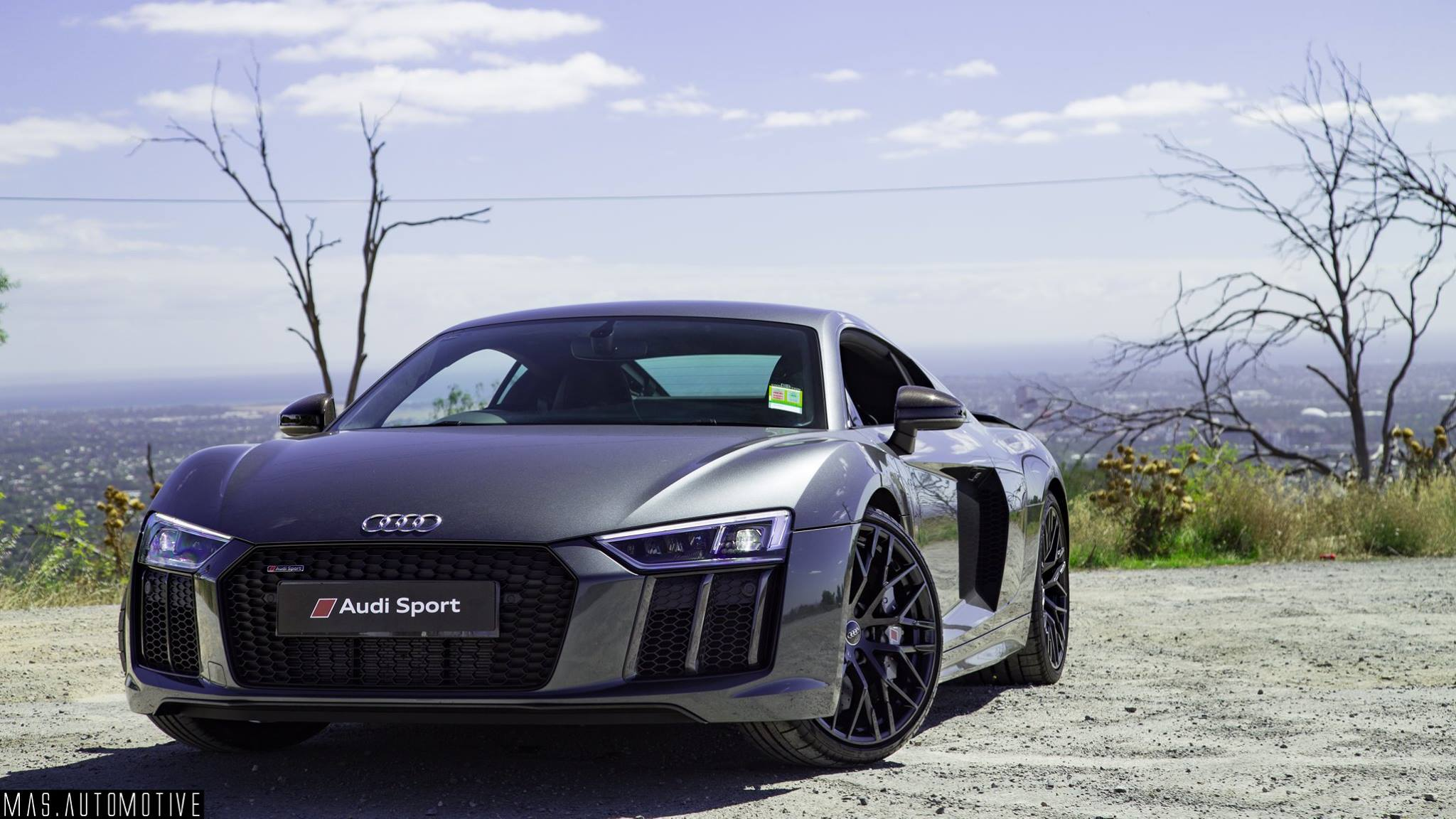 Performance Wise, Nothing Changes From The Standard V10 Plus R8 Which Is  Capable Of 602 Horsepower. The Car Has A 0 100km Time Of Just 3.2 Seconds  And A Top ...